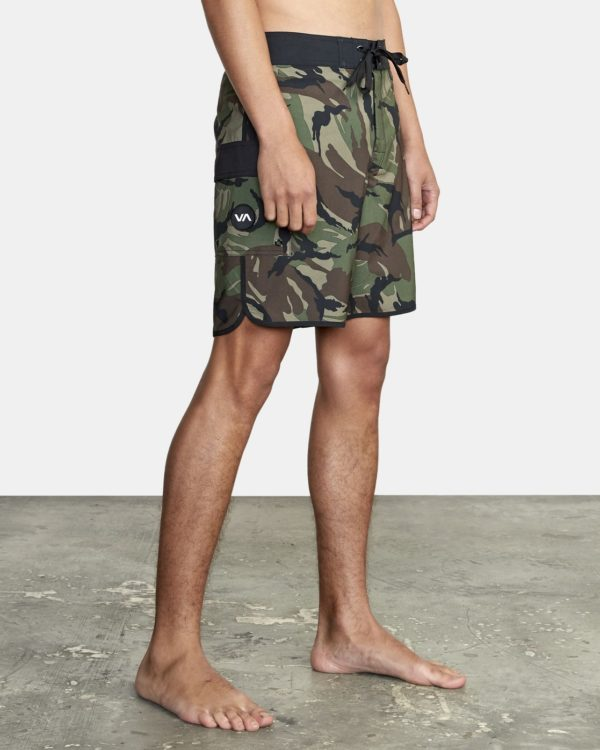 Eastern-trunk-18-camo-front